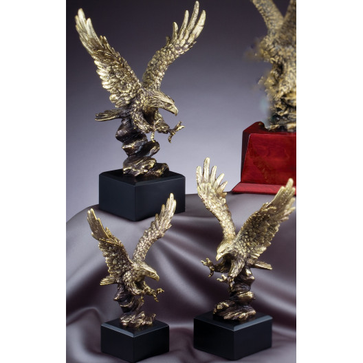 Landing Eagle Sculpted Gallery Resin